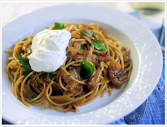 Spaghetti with Caramelized Onions and Yogurt 4
