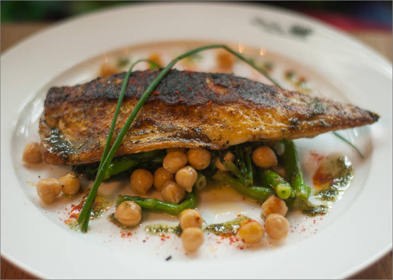 Mackerel, watercress and chickpeas