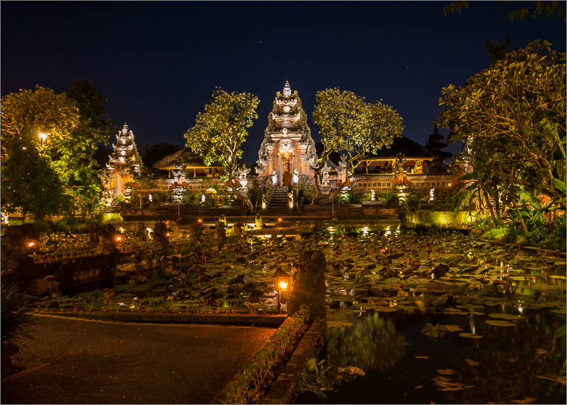 Ubud - Water Temple at Night