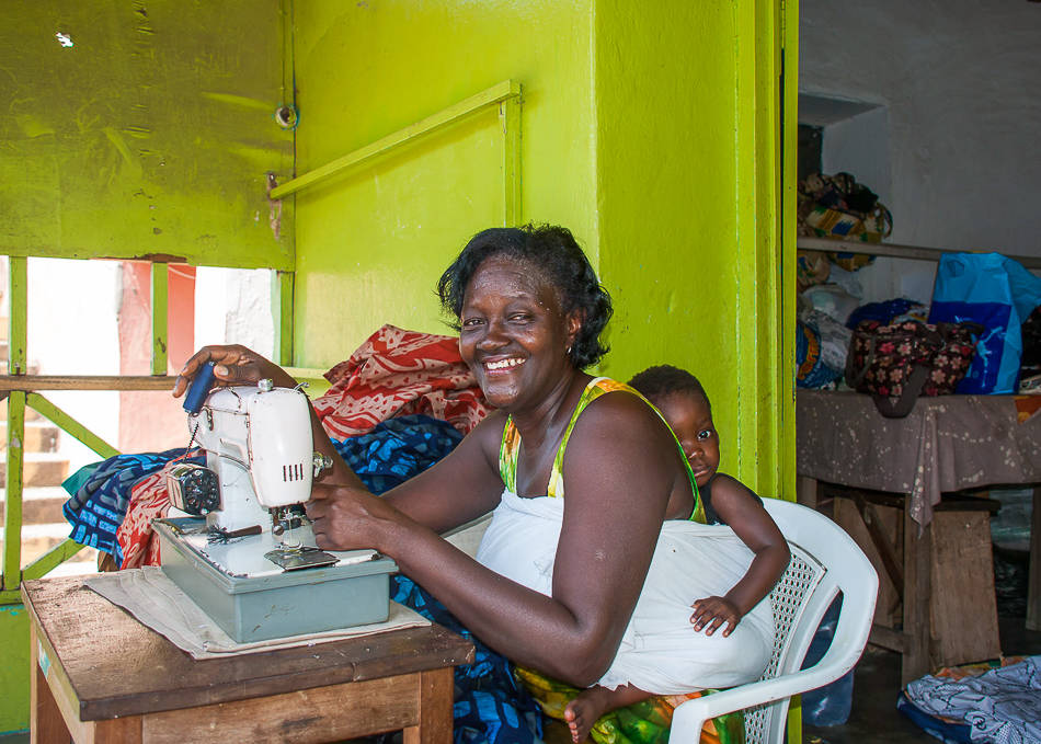 Global Mamas seamstress - Cape Coast