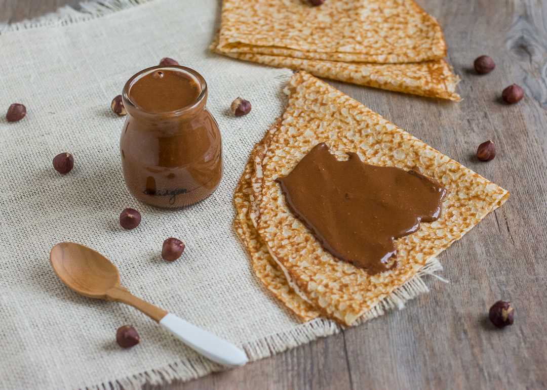 Chocolate Hazelnut Spread (Homemade Nutella!)