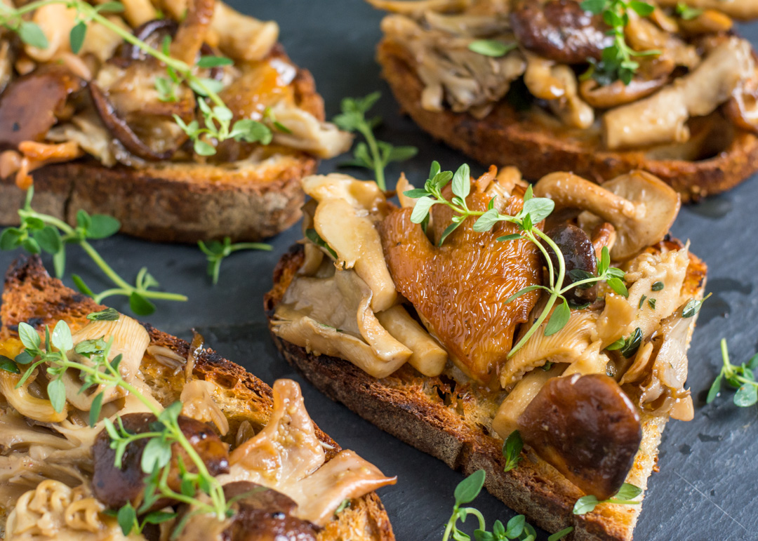 Mushrooms On Toast Recipe — Dishmaps