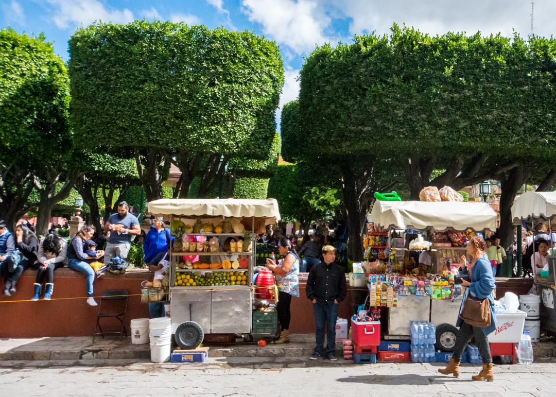 San Miguel De Allende Part 1 El Centro # Table De Jardin Simply Market